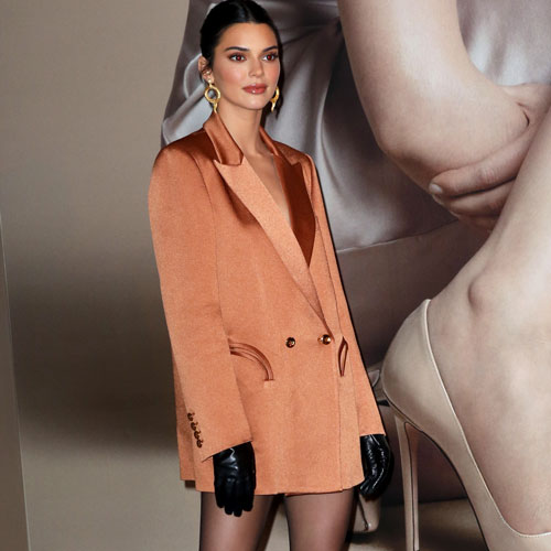 CHOOSE A COLOURFUL SUIT KENDALL JENNER-LIKE
