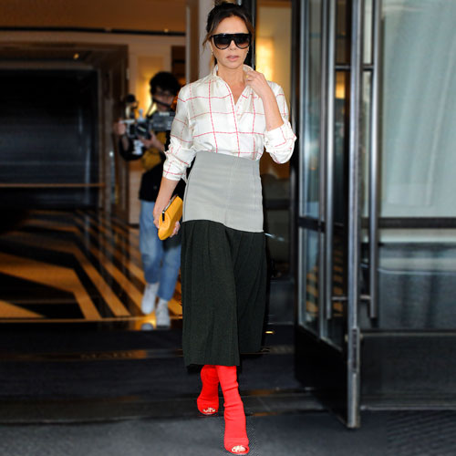 VICTORIA BECKHAM'S STYLISH BACK-TO-WORK LOOK
